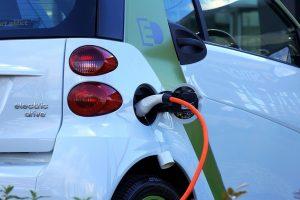 Auto elettriche, più parcheggi a Brescia